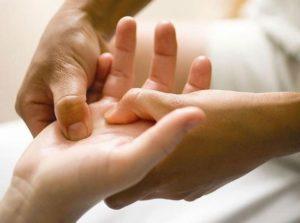 Массаж руки после инсульта