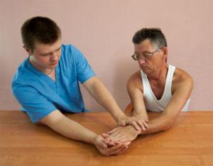 Лечение паралича после инсульта массажем